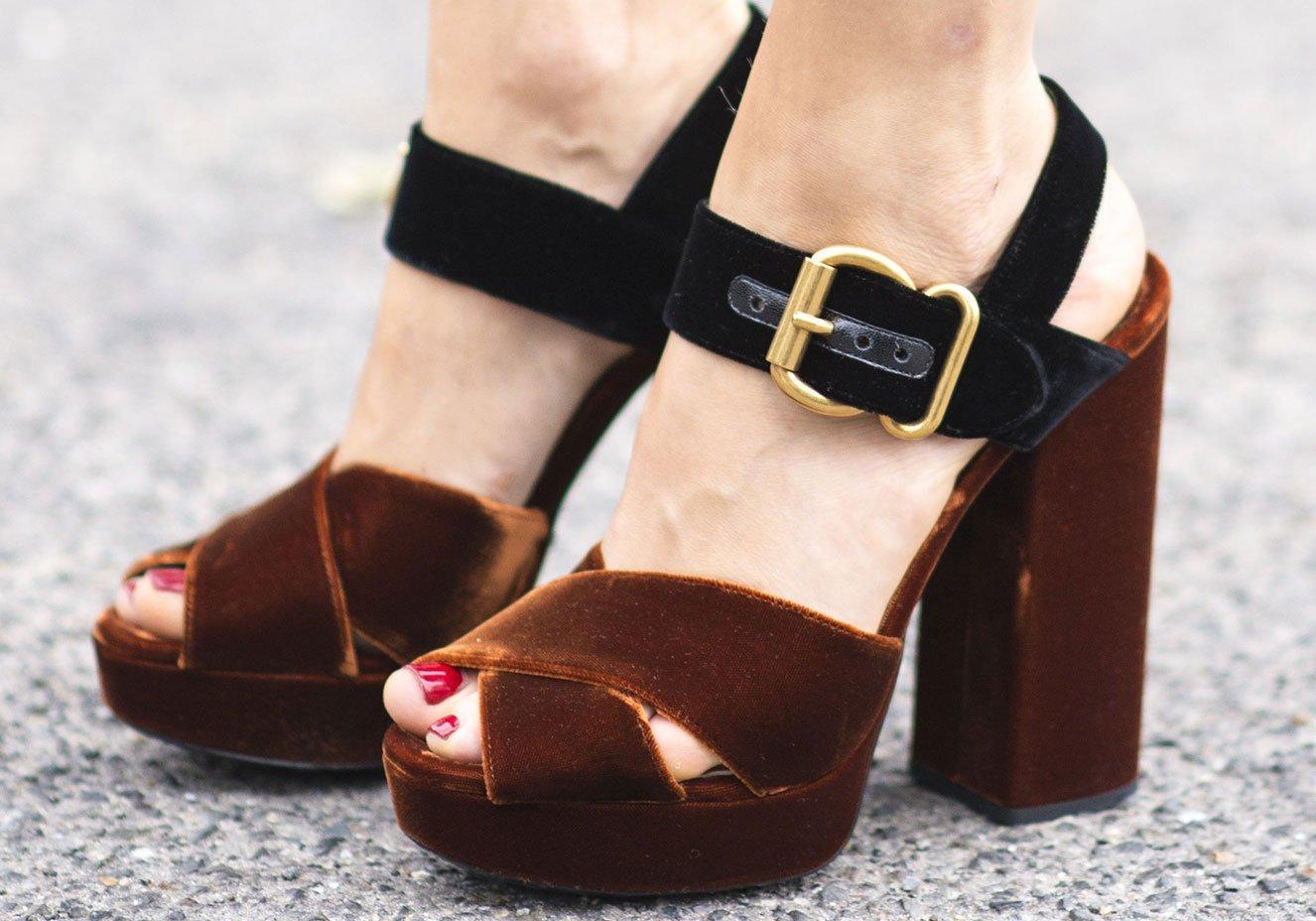70cc93e5cb Gostou de conhecer mais sobre as tendências para o comércio de calçados   Não deixe de ficar atento às novidades do setor para que você sempre  conquiste e ...